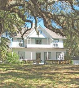 country-farmhouse-estate-sarasota-3290.jpg
