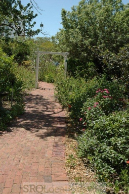 gardnes-and-pathways-14