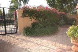 Mediterranean Villa (10).jpg