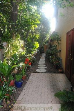 Mediterranean Villa (3).jpg