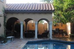 Mediterranean Villa (5).jpg