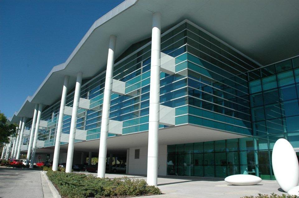 Modern office building for Modern office building design