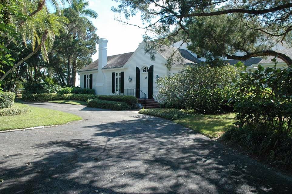 Cape Cod Garden Estate Photo Location Sarasota